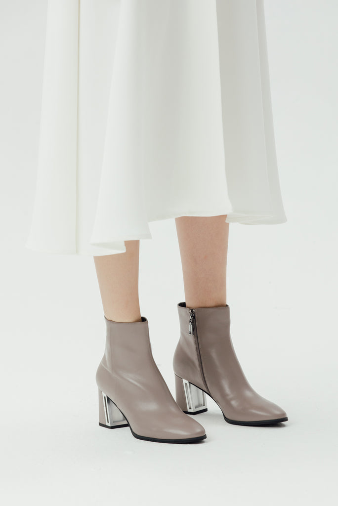 Leather Ankle Boots with Metal Detail - Tapue