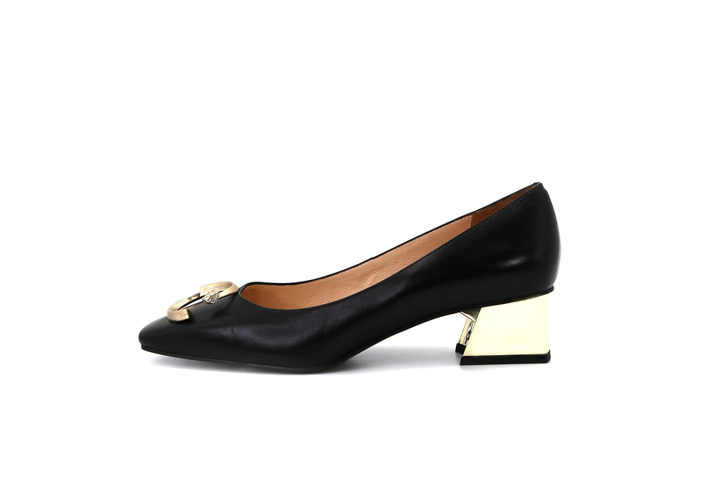 Pointed-Toe Block Heels with Buckle - Black 1M43301 BKK