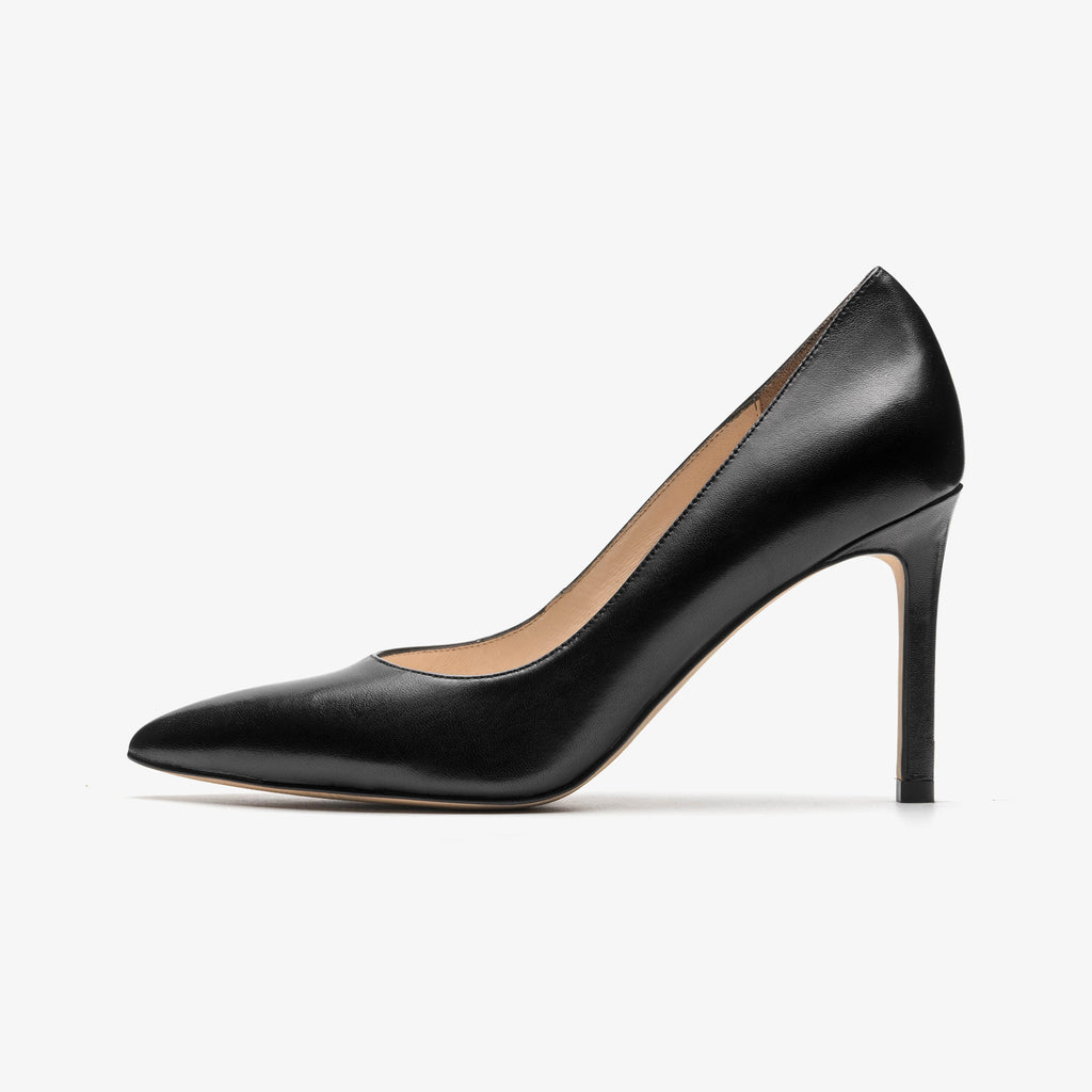Classic Leather Pumps - Black AM94415-BKK