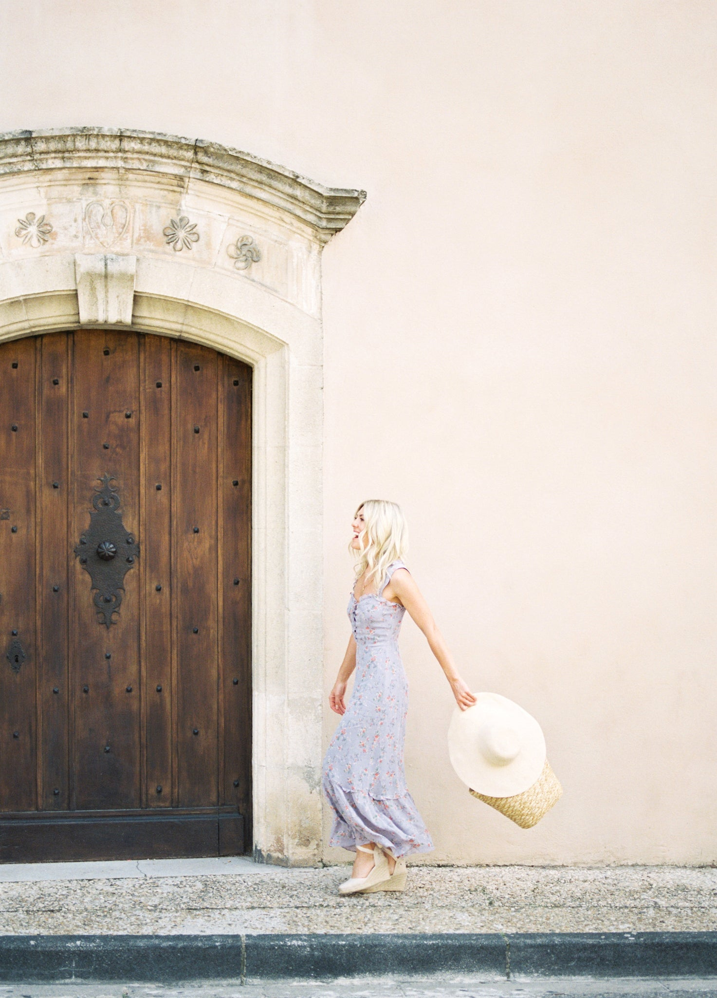 Katie Dean, Gordes France, Amanda K Photography