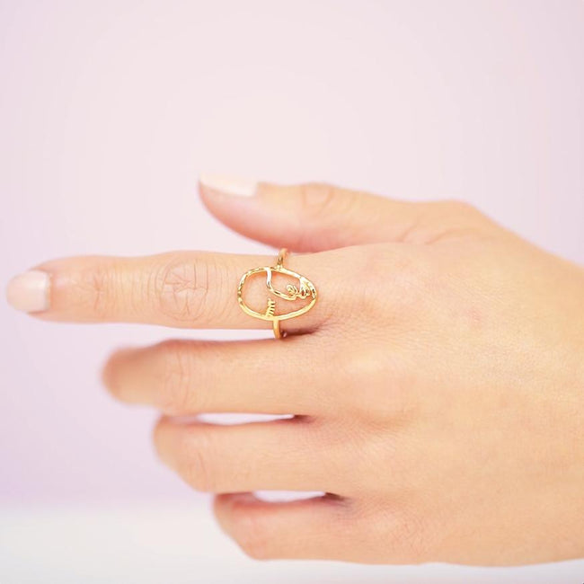 Inspired by art that focuses around the human form, the Artist Face Ring is a bit more eclectic than the rest of our collection while staying true to our dainty, feminine vibe while holding its own ethereal, artsy twist.