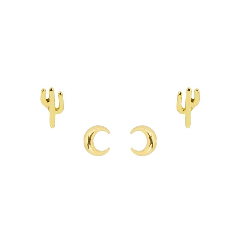 Just imagine stargazing under the perfect desert sky when you wear the Desert Earring Set. Includes a Cactus Stud Earring and crescent Moon Stud Earring.