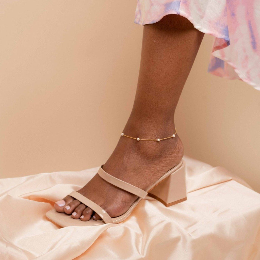 Dainty, handmade Pearl Anklet by Katie Dean Jewelry. Perfect for Summer!