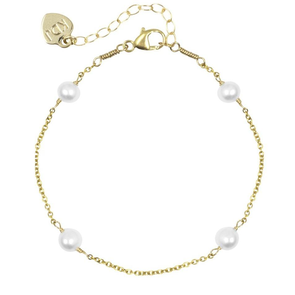 Pearl Bracelet on white background, handmade by Katie Dean Jewelry.