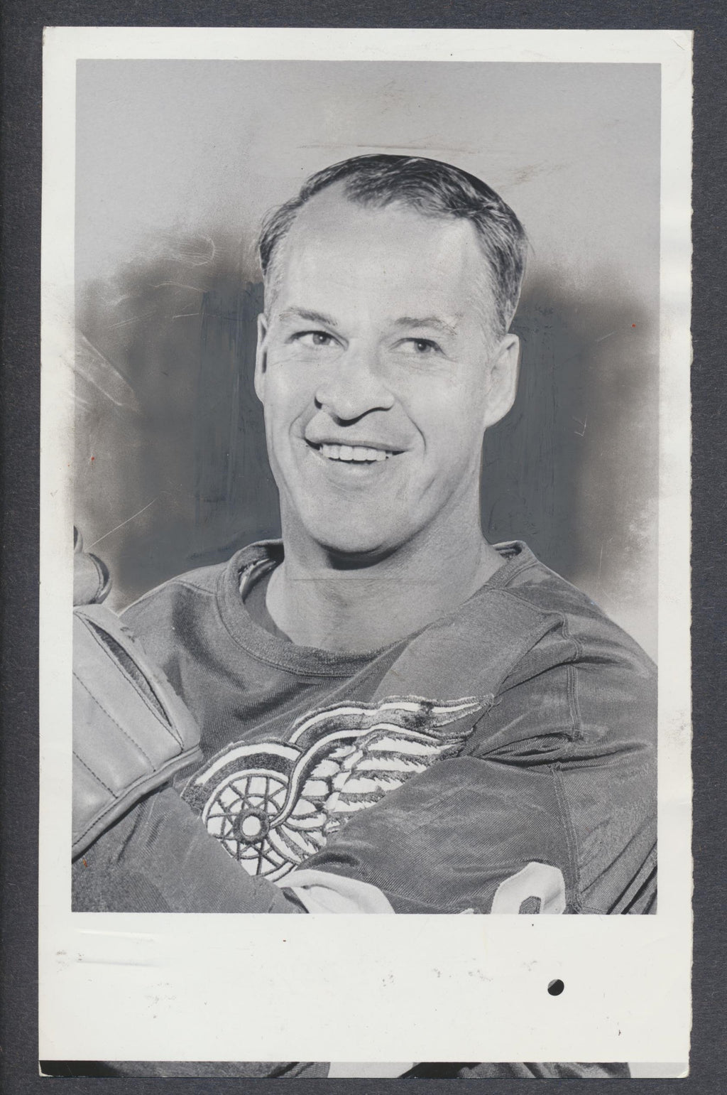 Original Gordie Howe Detroit Red Wings Press/ Wire Photo 1967 Kilpatrick NHL