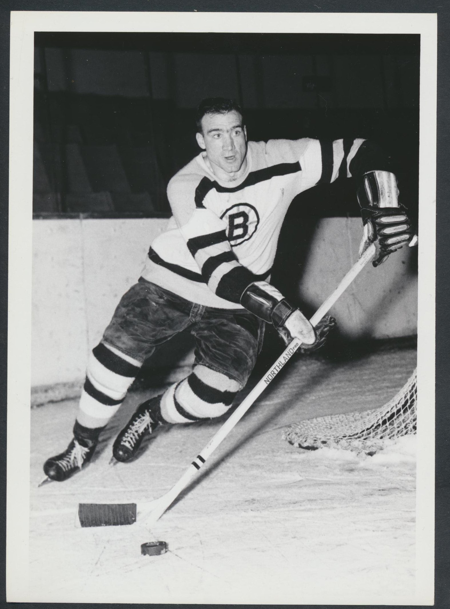 Original Jerry Toppazzini -Boston Bruins   Hockey Press Photo 1963  Vintage NHL Hockey Pic  News Archives