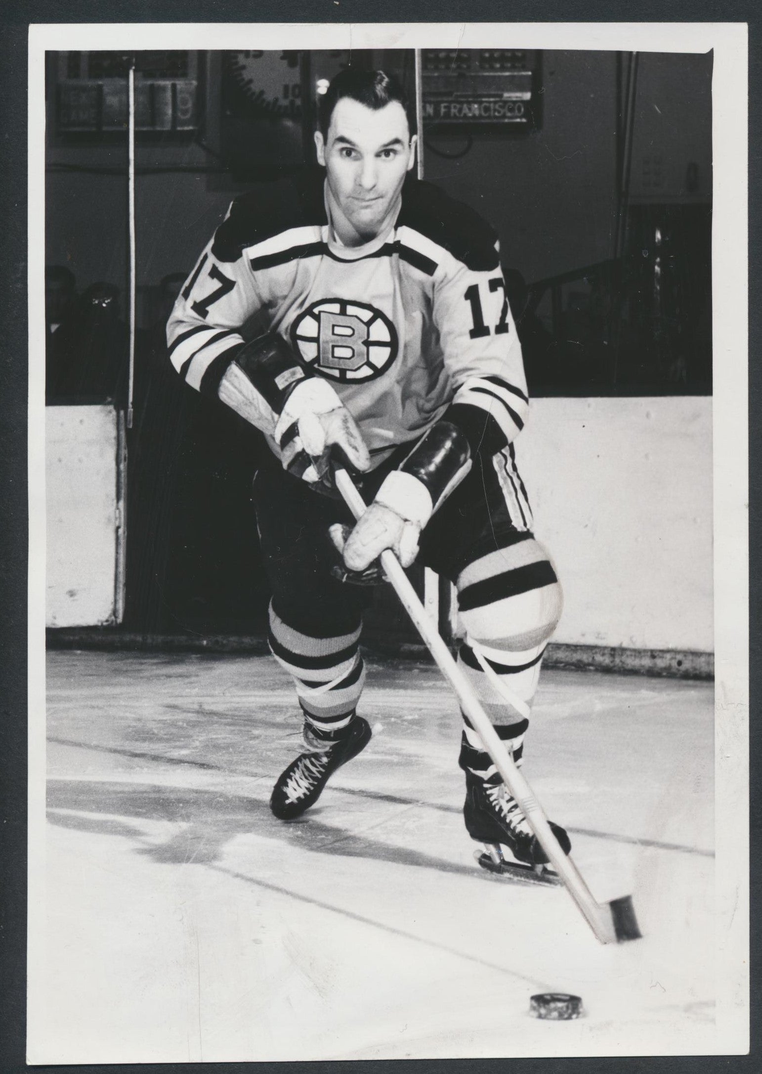 Original Dean Prentice -Boston Bruins   Hockey Press Photo 1963  Vintage NHL Hockey Pic  News Archives