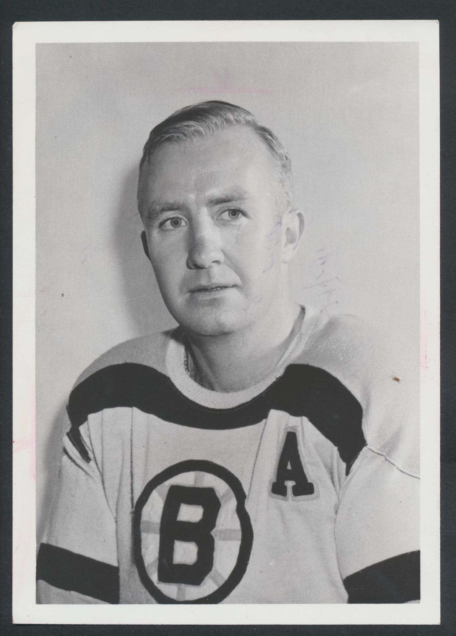 Original Bill Quackenbush HOF -Boston Bruins   Hockey Press Photo 1965  Vintage NHL Hockey Pic  News Archives