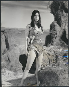 Original Vintage Yvonne Horner Press Photo  One Million Years B.C. 1966