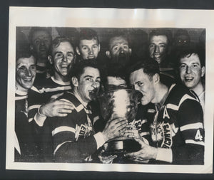 Original Press Photo 1952 Olympic Hockey Champions Edmonton Mercurys Oslo Norway