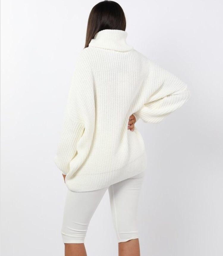 DARCY WHITE KNITTED OVERSIZED POLO KNECK JUMPER J2