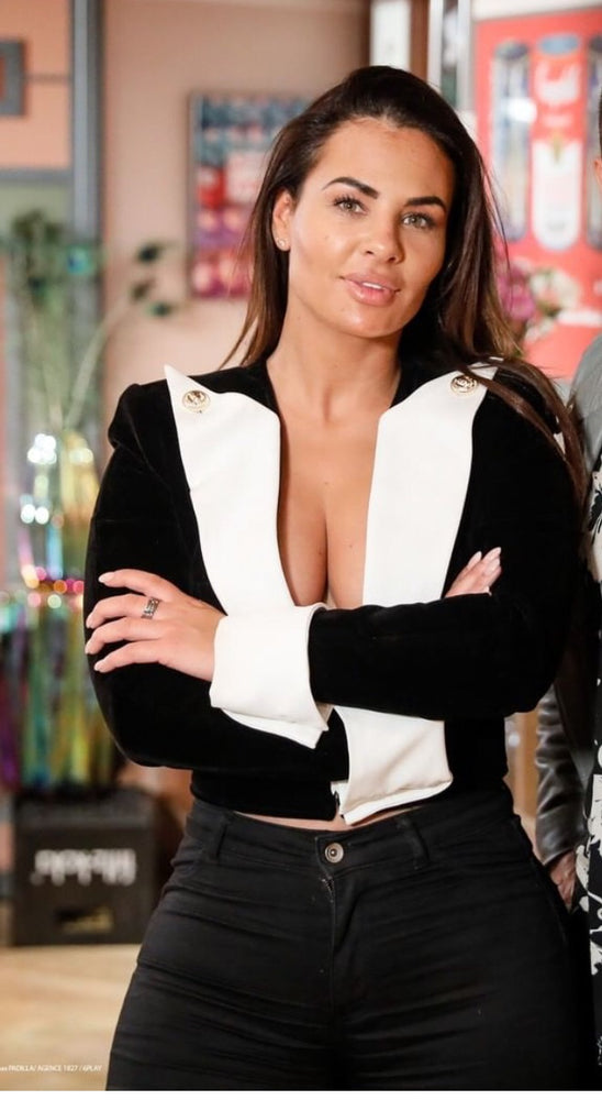 VOGUE GOLD BUTTON BLACK WHITE VELVET BLAZER