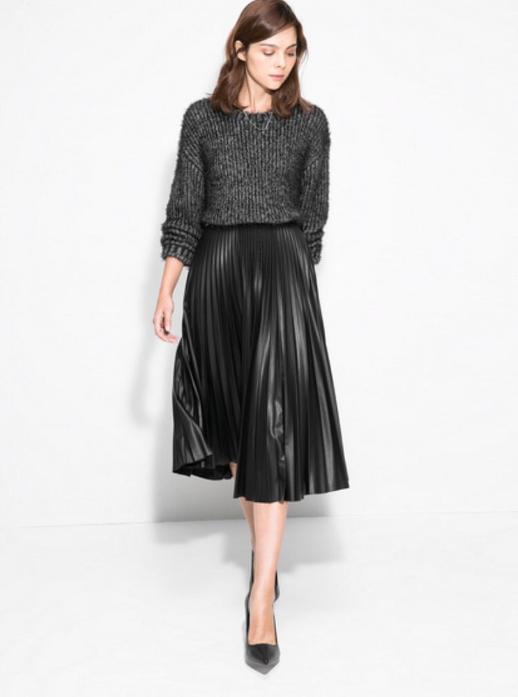 LYDIA BLACK PLISSÉ SATIN SKIRT FAUX LEATHER EFFECT