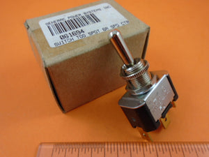 Generac 061694 Toggle Switch Start/Stop On-Off (G061694) - AnyRvParts.com