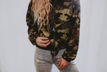Load image into Gallery viewer, Camo Print WindBreaker