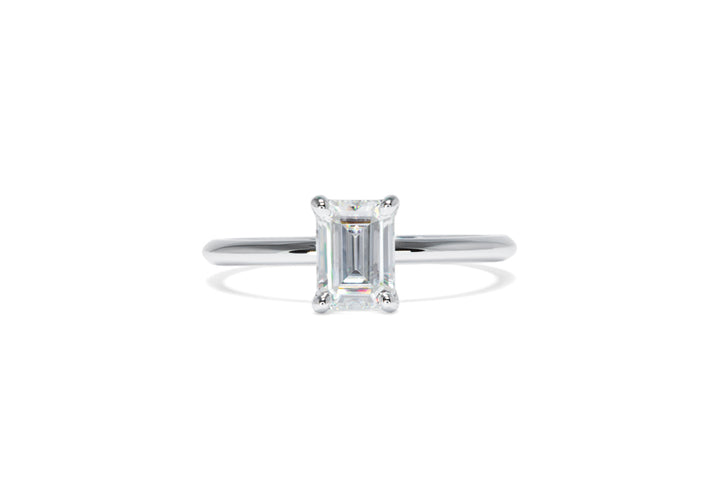 Look at me (moissanite)