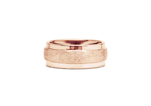 classic wedding ring for men in pink gold with large muscles