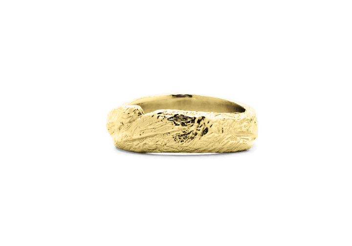 Wedding band man yellow gold adventurer of the woods