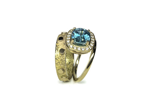 bague zircon bleu et diamants or jaune double signature halo profil