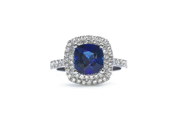 sapphire and diamond ring in luxurious white gold and blue gold