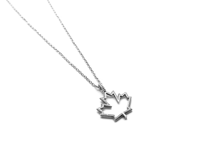 sterling silver chain maple leaf pendant classic Canada