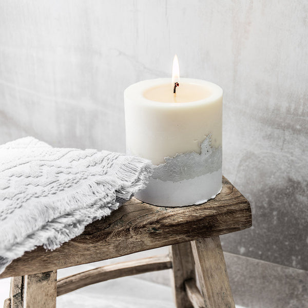White Light | Medium Candle | The Escape Co