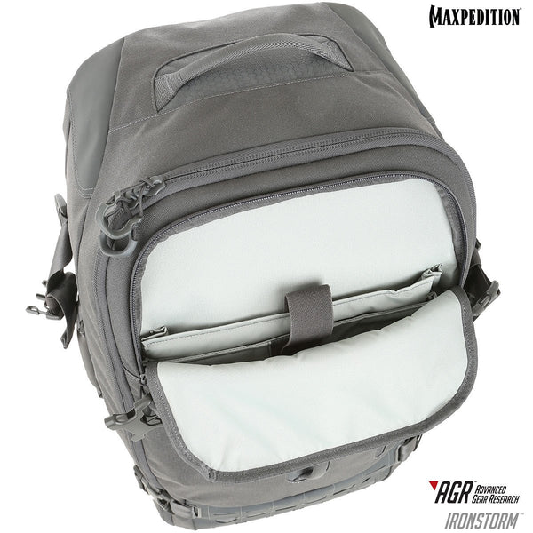 Maxpedition's Adventure Travel Bag is equipped with a quick access slip pocket with zipper garage.
