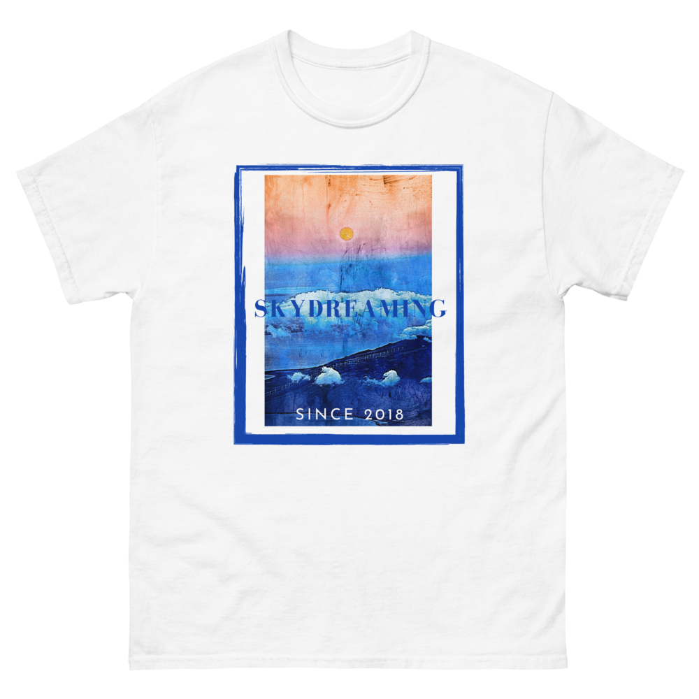 The SkyDreaming Tapestry heavyweight tee