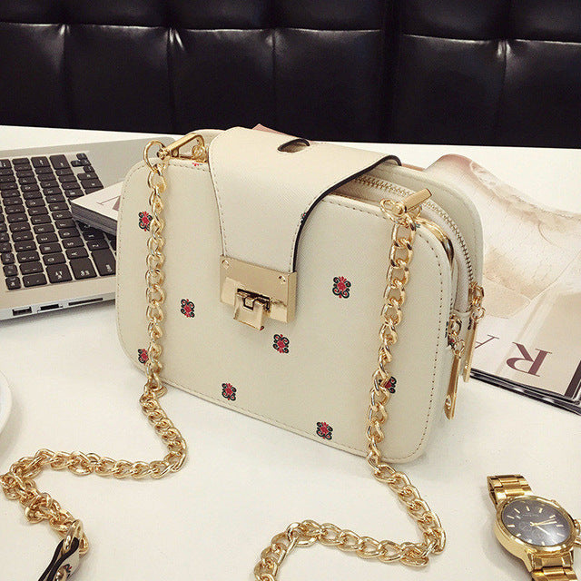 The New Han Edition Fashion Women Bag Mobile Packet Chain