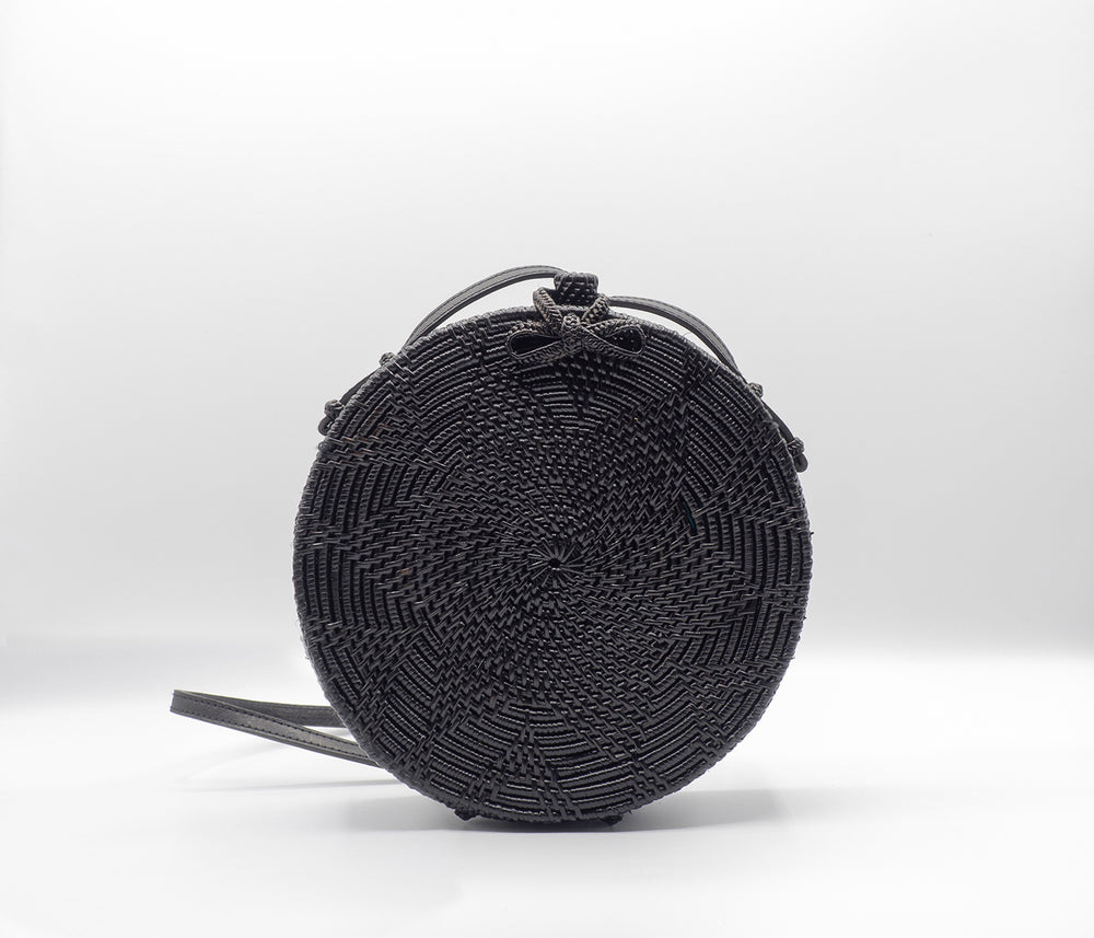 round flower star pattern black rattan bag