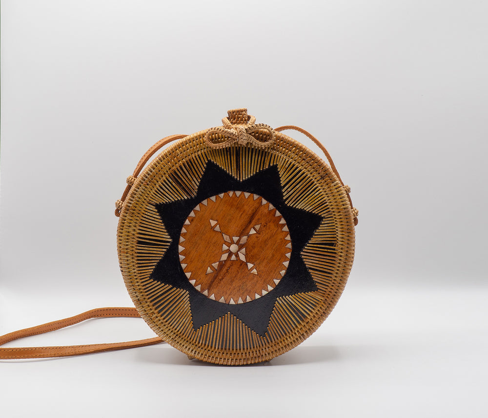 round rattan bag with shells