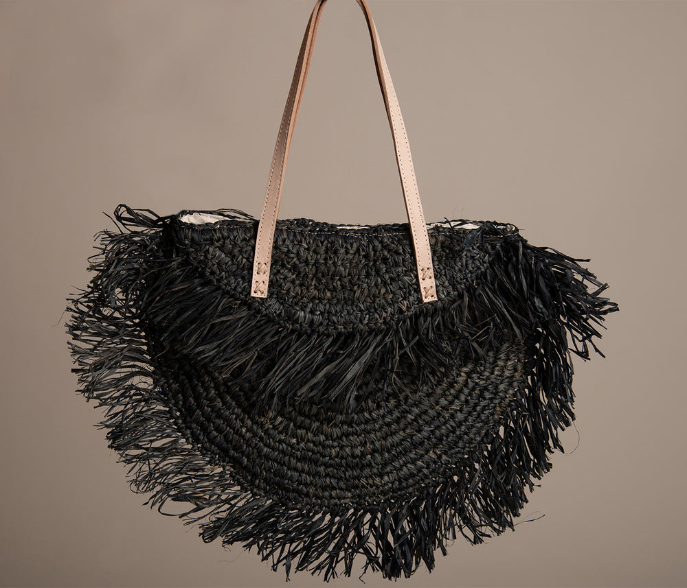 Fringe Straw Shoulder Bag Black
