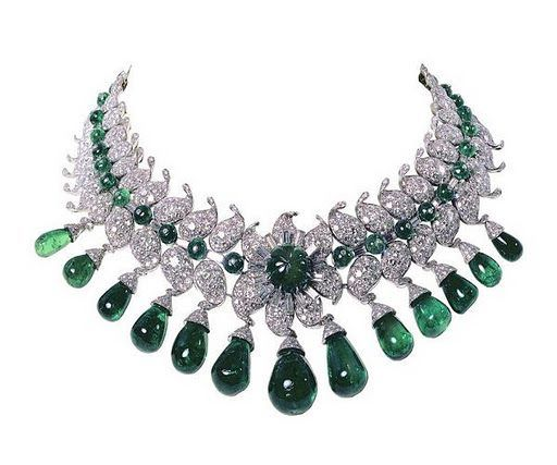 retro diamond emerald necklace