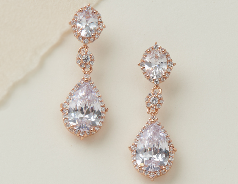 Wedding Earrings: Selecting the Finishing Touch