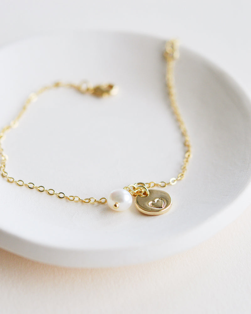 Gold Layering Bracelet with Heart and Pearl