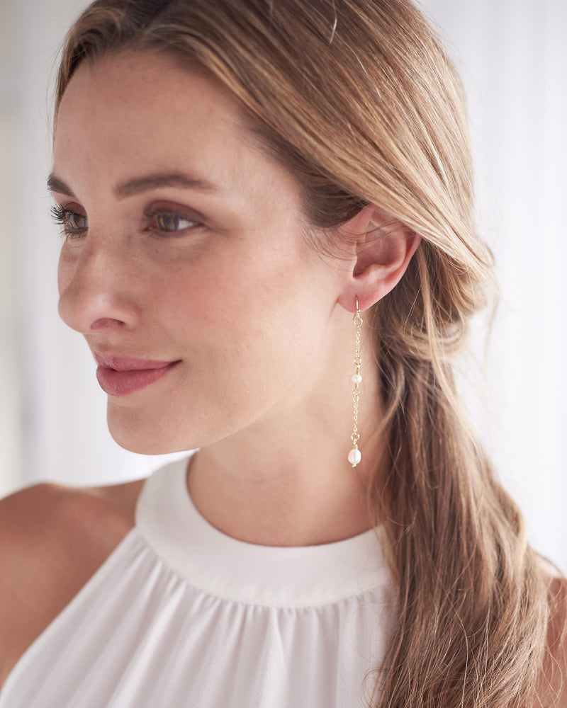 Pearl Dangle Earring Gold