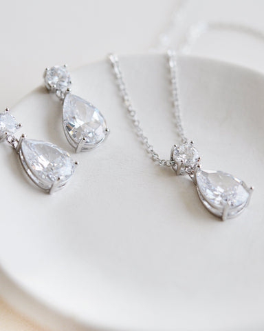 Layered Chain Pearl Drop Jewelry Set