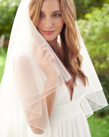 Keily Scalloped Edge Beaded Veil