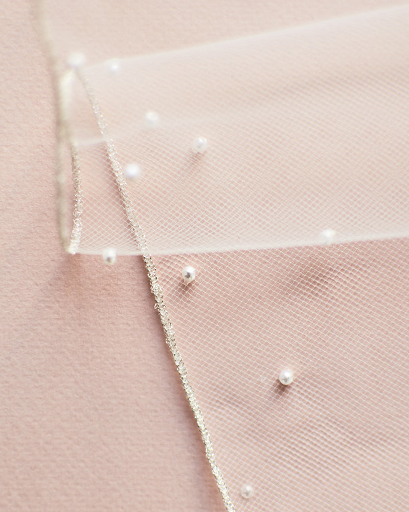 Scattered Pearl Edge Veil