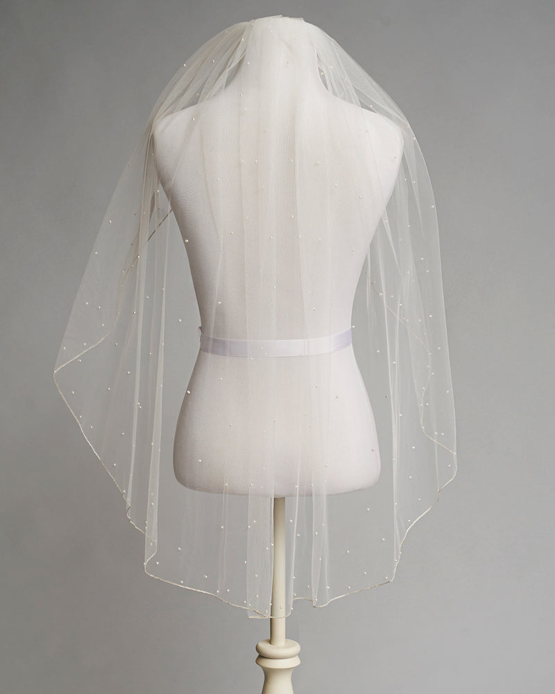 Scattered Pearl with Pencil Edge Veil
