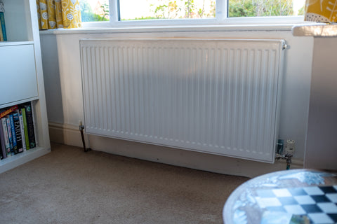 how to clean white radiators - how to remove radiator from the wall - cleaning behind a radiator