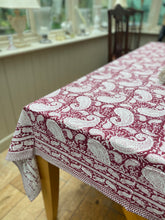 Jacintha Tablecloth