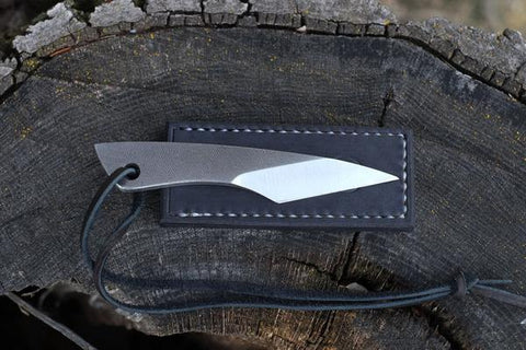 THE TRAVELLER MIDSIZE KNIFE