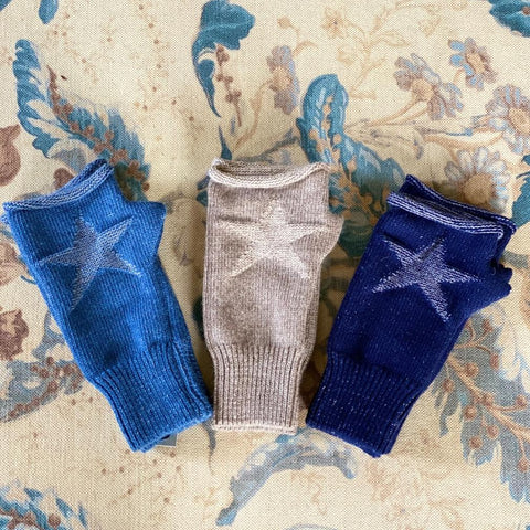 Roll-Top Fingerless Star Gloves