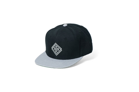 theTRUTH Essentials Snapback Hat 18 - Black