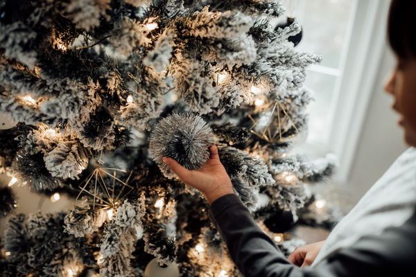 Managing Holiday Stress: 7 Tips to Actually Enjoy the Holidays This Year