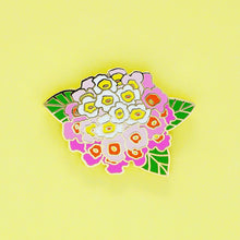 Load image into Gallery viewer, Lantana enamel pin