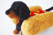 Load image into Gallery viewer, Needle felted black and tan wiener dog