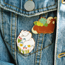 Load image into Gallery viewer, Spring bear enamel pin