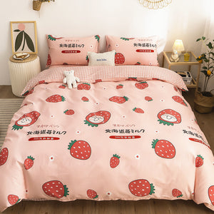 Fashion Strawberry Four Piece-suit Bedding JK1949